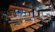 Crazy Goose Bar & Lounge-Crazy Good Food & Drinks